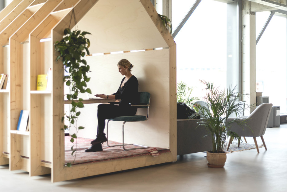 A plywood pod for quiet work session