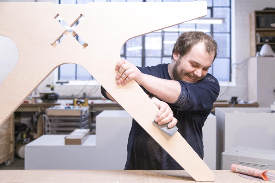 Mark finishing Lean Desk