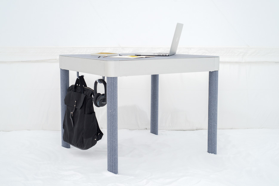 Delaktable by David and Joni Steiner