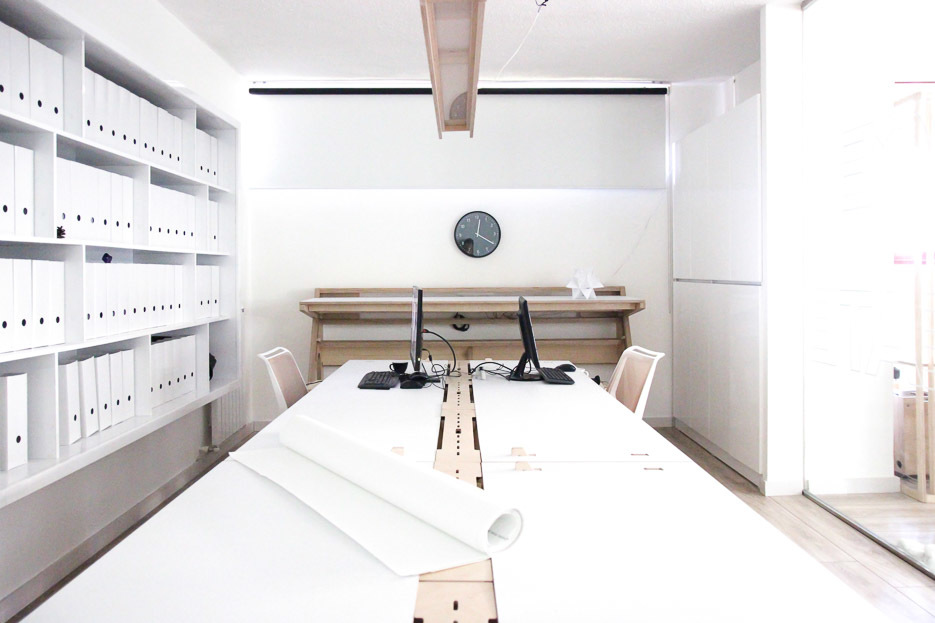 Mill Architects workspace with 2 Lean Desks