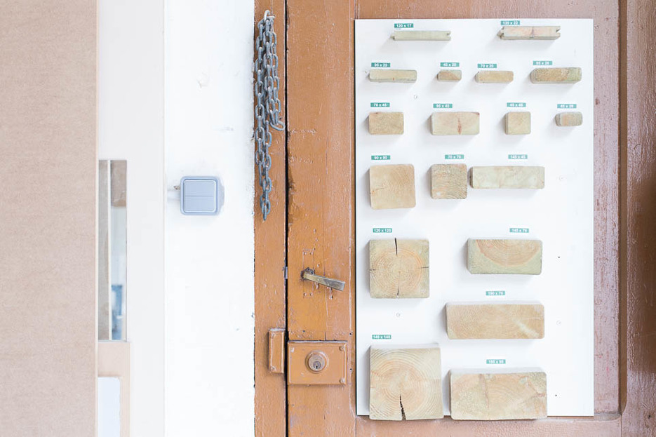 Wood display inside Fustot Bel SL workshop